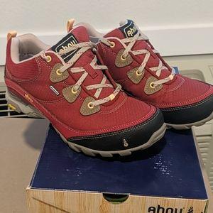 Ahnu Sugarpine Red DAHLIA shoes size 6.5m